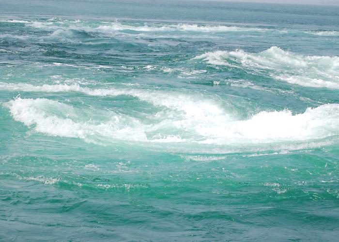 鳴門の渦潮の写真素材 の風景|鳴門の渦潮の写真素材 鳴門の渦潮の写真素材|海・川・水辺の風景|無